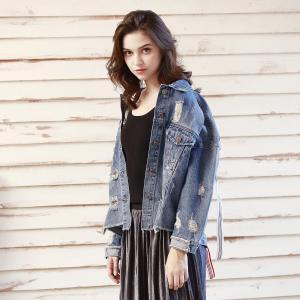 China Washed Light Blue Loose Denim Blazer For Women wholesale