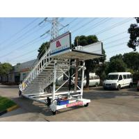 China 2000 Kg Aircraft Passenger Stairs Commercial Chassis 2 x 2 Drive Type wholesale