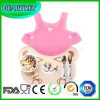 China Cute Baby Waterproof Silicone Bibs Easily Wipes Clean wholesale