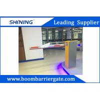China 220 V Green Entrance Parking Boom Barrier Gate With Aluminum Alloy Folding Arm wholesale